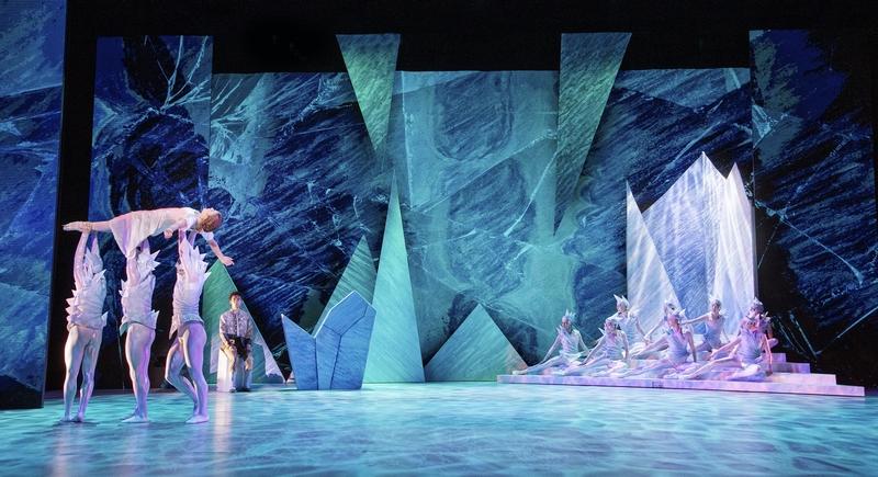 Snödrottningen (Scen 6) - Laurie Nielsen som Gerda och Vincent Vernal och Snömonster