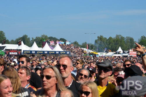 SRF Crowd