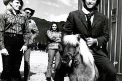 Hollywood - Privat är Clintan både barn- och djurvän som synes