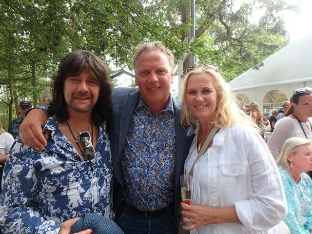 Musikern Robert Wells, producenten Janne Andersson, författaren Maria Wells på premiärhumör! - Foto: Belinda Graham