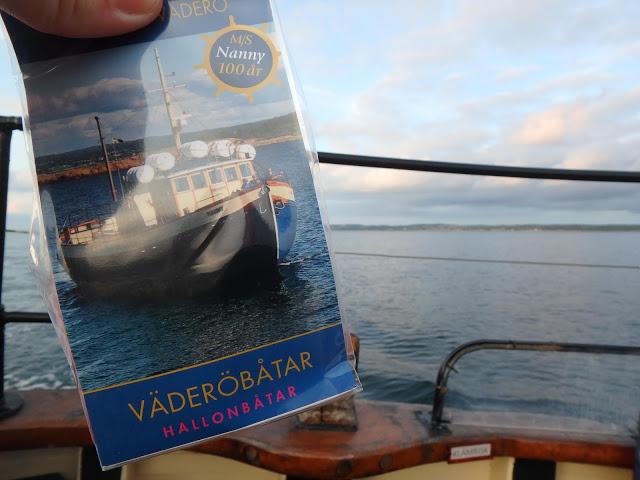 Nanny finns som hallonbåt och som lakritsbåt. Godiset görs bara under 100-års firandet. Passa på och njut - Foto: Belinda Graham